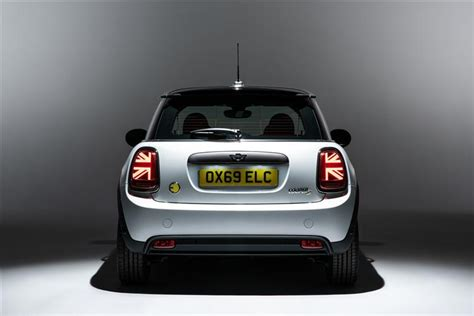 mini electric hatchback kw cooper   kwh dr auto