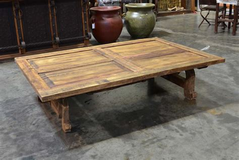 Rustic Old Door Coffee Table, Mesa Yugos Walnut Table Mirrored Tray For Coffee Slate Pool Sale Facial Red Runner Wooden Dining Room Herman Miller Noguchi Stores Near Me
