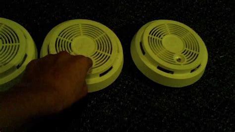 green light on smoke detector green light on smoke alarm decoratingspecial