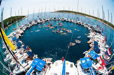 travel addict  yacht week croatia black route