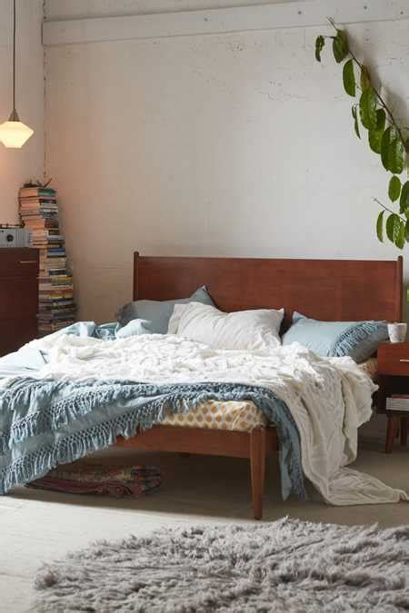 Headboards + Beds - Urban Outfitters