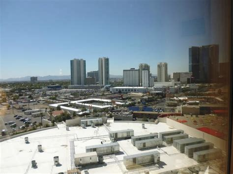 view from the observation deck picture of stratosphere hotel casino and tower las vegas