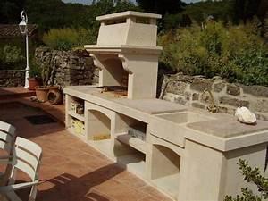 1000 idees sur le theme barbecue en pierre sur pinterest With construire un barbecue exterieur
