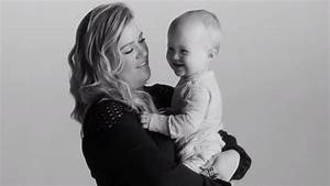 Kelly Clarkson's 'Piece by Piece' video features adorable ...