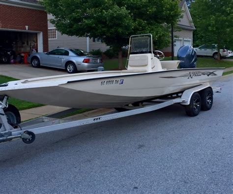 Xpress Boats Sc by 22 Foot Express Xpress 22 Foot Motor Boat In Travelers