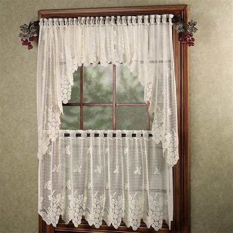 Vineyard Grapes Lace Window Treatment