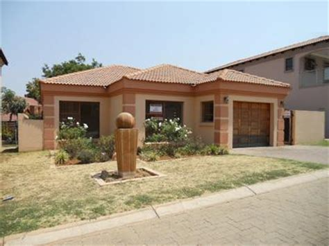 3 Bedroom Houses For Sale by Standard Bank Repossessed 3 Bedroom House For Sale For