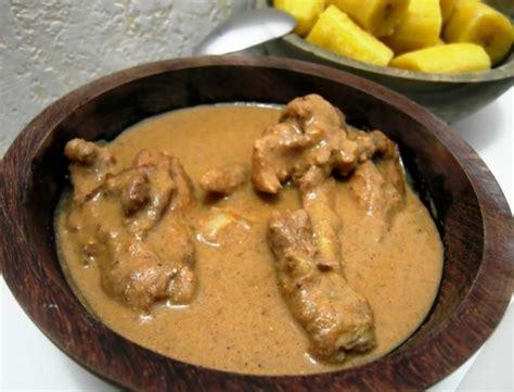 recettes du cameroun le poulet sauce arachides