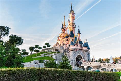 Top 10 Most Unique Attractions To Disneyland Paris Mini