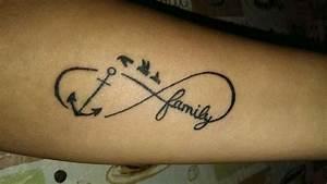 Tattoo Ideen Familie : 51 aussagekr ftige familie tattoos ideen und symbole ~ Frokenaadalensverden.com Haus und Dekorationen