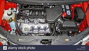 V6 Engine Stock Photos  U0026 V6 Engine Stock Images