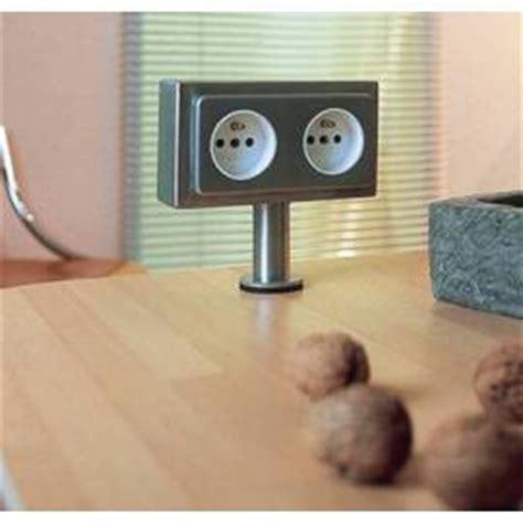 prise electrique design cuisine prises et multiprise électrique pour la cuisine