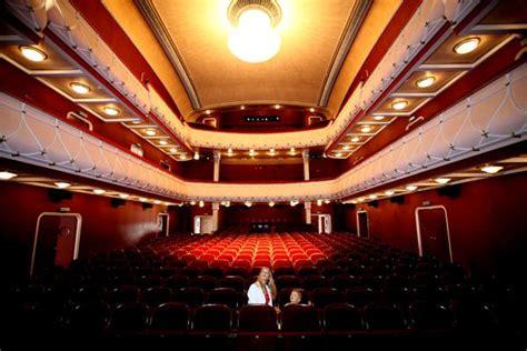 Stadttheater Wiener Neustadt Programm, Kontakt Und