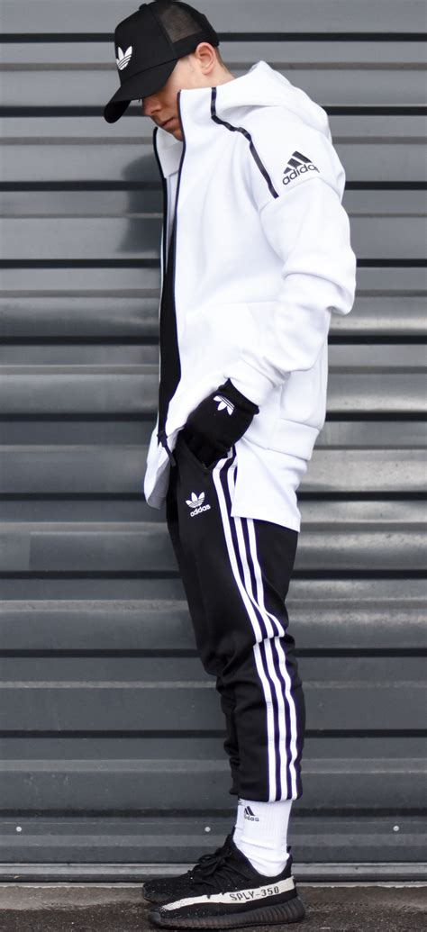 Adidas pants cheap yeezy boost 350 v2 fit