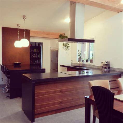 la cuisine du comptoir 17 meilleures id 233 es 224 propos de comptoirs de cuisine en b 233 ton sur 201 vier de cuisine