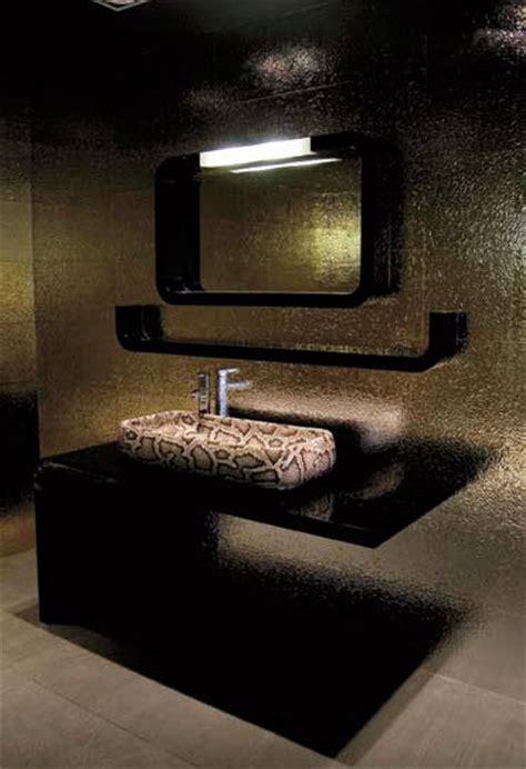 Snake Skin & Crocodile Skin bathroom decor from Ceramica