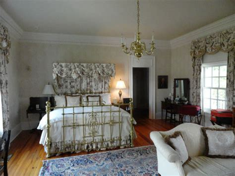 American Traditional Interior Design by Traditional Interior Design For Your Atlanta Home Brass