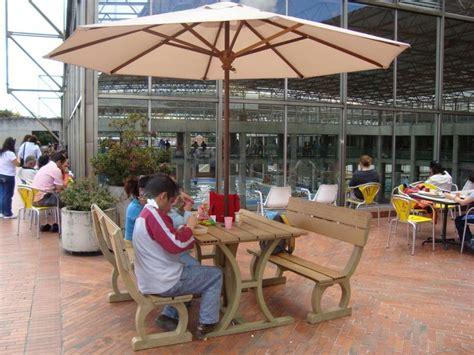 17 mesa y sillas para exteriores pl 225 sticos con parasoles