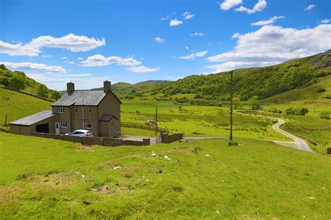 Cottage In Snowdonia by Secluded Isolated Cottages In The Snowdonia