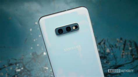 samsung galaxy s10e review the best galaxy s10 for most