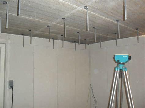 plafond suspendu partie 2 mise en place des suspentes