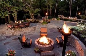 Gas Feuerstelle Outdoor : outdoor inspiration cool tiki torches to light up your ~ Michelbontemps.com Haus und Dekorationen