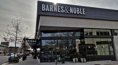 barnes and noble me now barnes noble opens one loudoun loudoun now