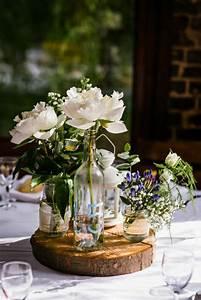 un gros bouquet de fleurs pour creer une decoration de table With déco chambre bébé pas cher avec bouquet fleurs champetre