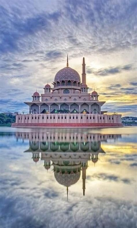 putra mosque malaysia   places youll