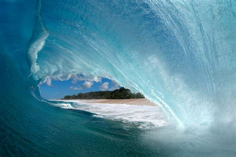 hawaiis spectacular ocean waves  pictures  news