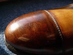 Tache De Gras Sur Cuir : taches sur chaussures en cuir clair ~ Medecine-chirurgie-esthetiques.com Avis de Voitures