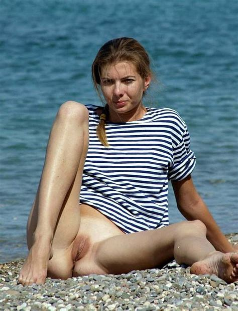 European and American nude beach. Outdoor Sex content - 5 pics.