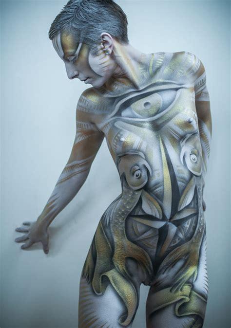 Illustration :: Contemporary Illustrators :: Roustan Body Paint - Signed 1st