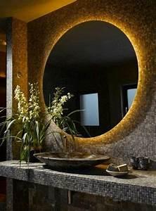 Miroir Rond Led : comment choisir le luminaire pour salle de bain ~ Teatrodelosmanantiales.com Idées de Décoration