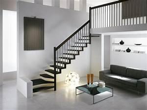 peindre escalier bois en blanc affordable r le plus With marvelous peindre des marches d escalier en bois 8 mev sprl finition peinte