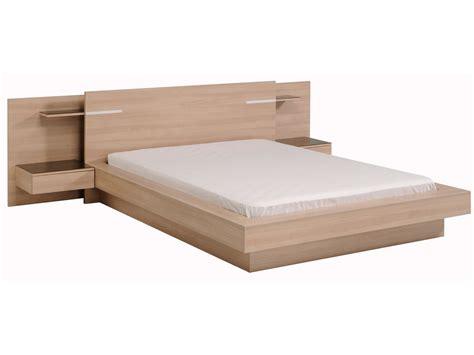 hauteur meuble de cuisine lit deux personnes en bois avec environnement de lit