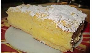Hefe Streuselkuchen mit Pudding und Sahne von brisane