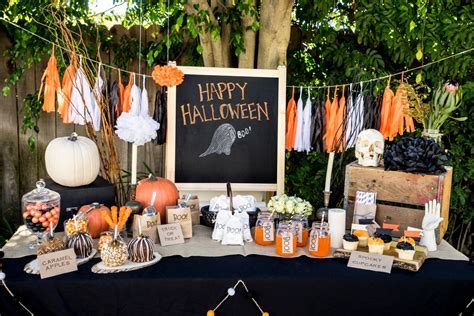 Planning The Perfect Halloween Party With Kids  Huffpost. Landscape Ideas Front Yard. Date Ideas Dallas. Kitchen Remodel Ideas Home Depot. Nursery Ideas For Apartments. Inexpensive Backyard Oasis Ideas. Decorating Ideas Using Old Windows. Kitchen Island Countertop Ideas On A Budget. Bathroom Theme Ideas Pinterest