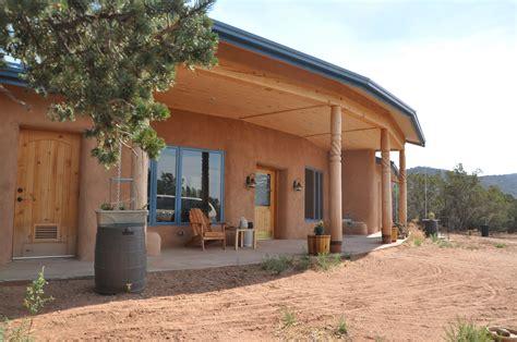 Haus Aus Strohballen by The Grid Home That S Retardant Inexpensive 75