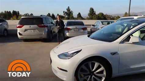 Download Tesla Car Summon Feature Background