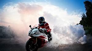 Biker Burnout Hd Wallpaper - Wallpapersfans.com