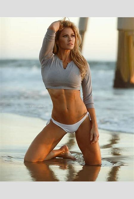 Torrie Wilson | Beauty Muscle