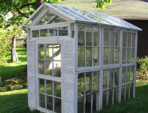 Glass is the traditional material with which to panel a greenhouse. 10+ Greenhouses Made From Old Windows and Doors | Home ...