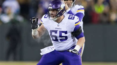 vikings wont   pat elflein  packers