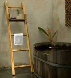 badewanne rustikal handtuchhalter freistehend holz bvrao