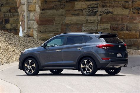 Hyundai Tucson Reviews by 2017 Hyundai Tucson Reviews And Rating Motor Trend