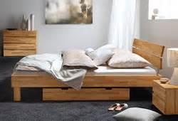 Matratzen In überlänge : wahl der passenden bettgr e welche ist die richtige ~ Markanthonyermac.com Haus und Dekorationen