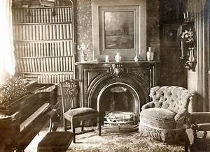 Inside victorian era homes victorian house interior for Interior decor history