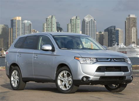 Buick Endeavor by 2014 Mitsubishi Endeavor Pictures Information And Specs