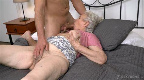 Full Sexual Passion For Grandma Alpha Porno